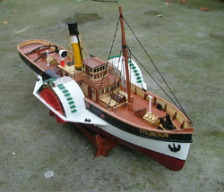 RC Strongbow PaddleWheeler Boat Ship ARTR
